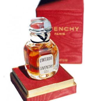 Adieu, Monsieur de Givenchy!